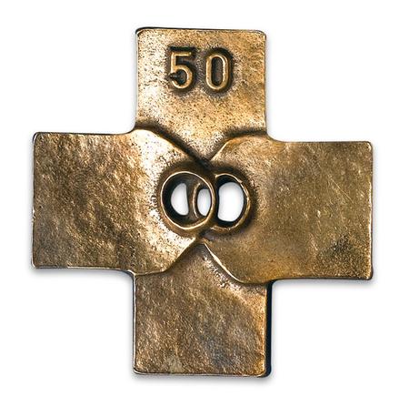 HUWELIJKSKRUISJE -  natuurlijk brons - gouden jubileum