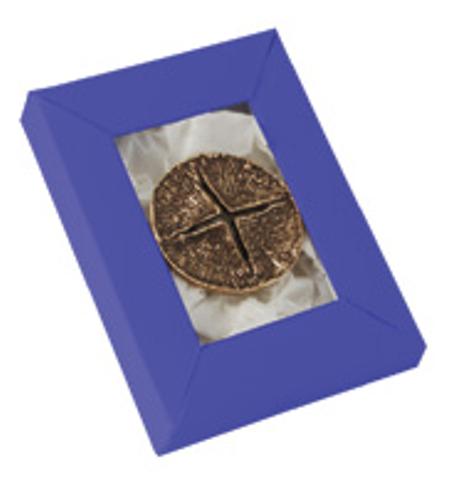 KRUIS - brons - rond - doorsnede 4 cm - in een doosje