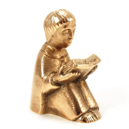 BEELD  - met boek - lezen is ...- brons - H 7 cm