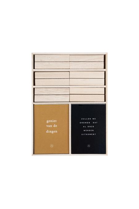 KERST TAFELWENSEN - 12 kaarten met wensen + 6 houten kaartenstandaard